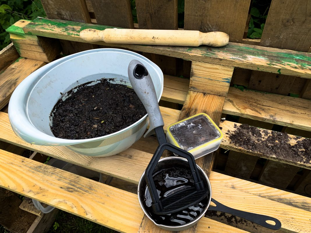 Mud Kitchen Accessories
