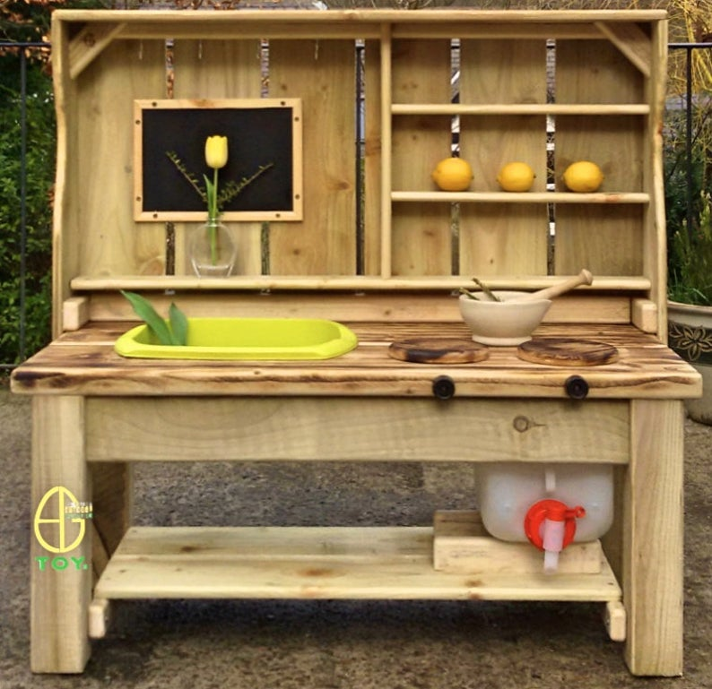 EG Mud Kitchen